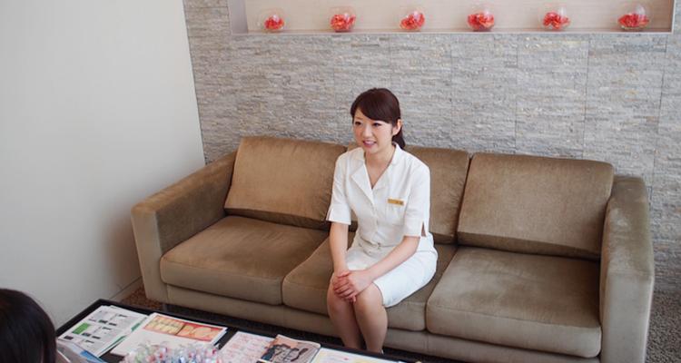 歯科医師の安部美紀先生